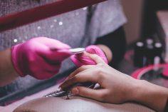 beautiful-cleaning-fashion-332046 (1)